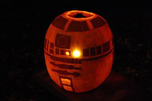 r2d2 pumpkin
