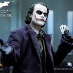 joker-action-figure-heath-ledger-2