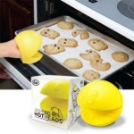 pacman-oven-mitts