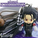 famous-movie-characters-cellphone-charms-are-a-riot