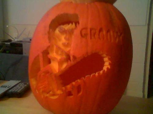 ash chainsaw pumpkin face