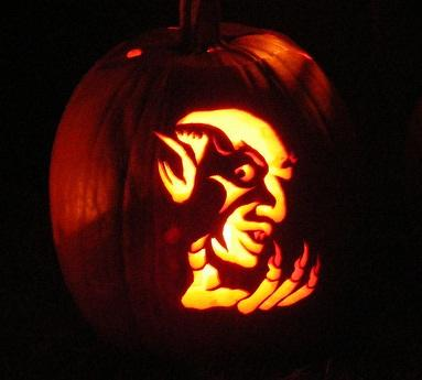 nosferatu pumpkin face