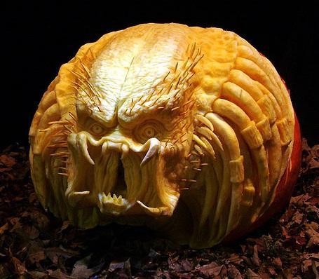 predator pumpkin face