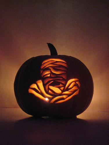 the mummy pumpkin face