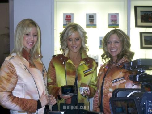 ces 2010 hot girls image 1