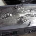 Star Wars 1 Han-Solo-Carbonite-Desk