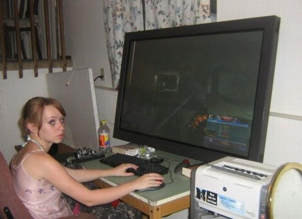 hardcore gaming girl image