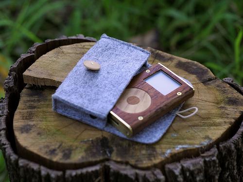 wooden ipod mini