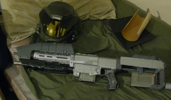 Halo Rifle with Helmet and Suit