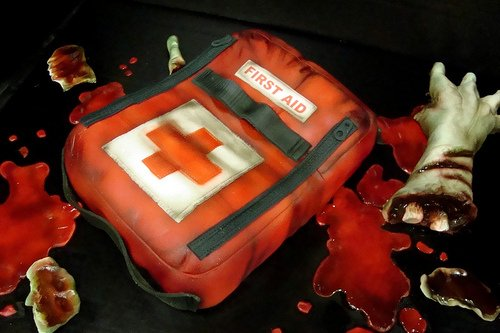 Left 4 Dead Zombie Cake Makes First Aid Delicious