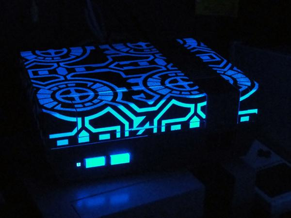 Glowing TRON NES