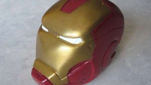 Hand Made Iron Mam Helmet Defines Geeky Art!