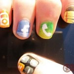 Paint the Apps of IPhone 4G on Your Nails 2