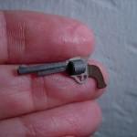 miniature paper gun craft
