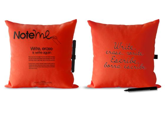 note me pillow red