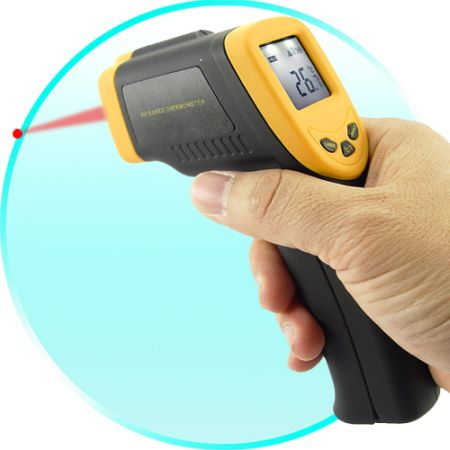 Infrared-Digital-Thermometer-Gun-with-Laser-Sight-1