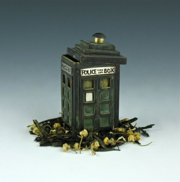 dr who tardis tea infuser design