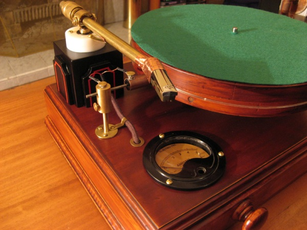 Steampunk Record Player 1