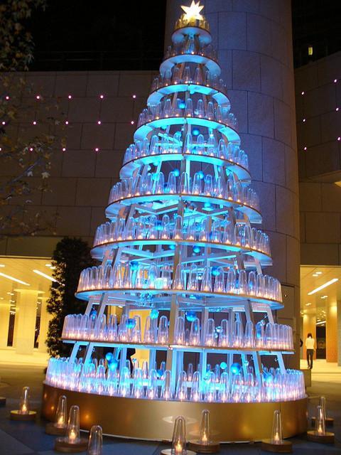 19 Beautiful And Creative Christmas Trees