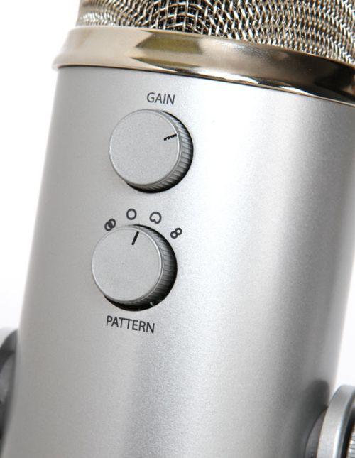 Yeti THX Usb Microphone In Use Detail