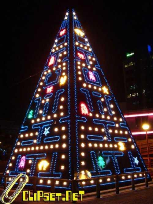 pacman christmas tree design