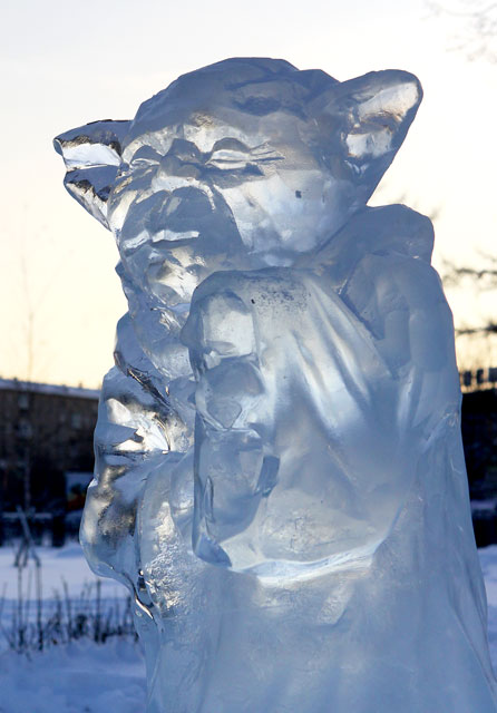 Star_Wars_Snow_Sculptures_5