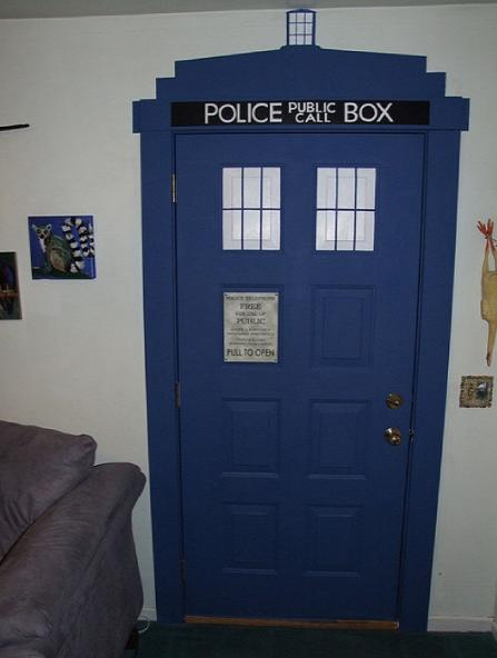 This Tardis Door Is Bigger On The Inside Walyou