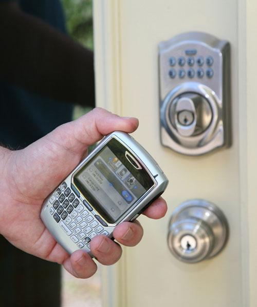 Weird_Door_Locks_10