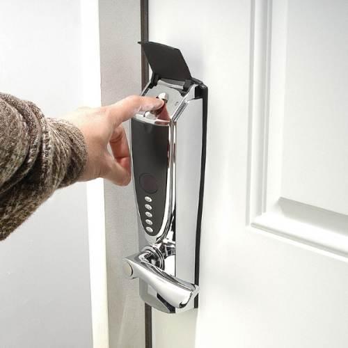 Weird_Door_Locks_7
