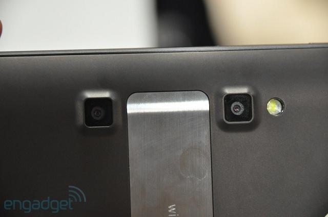 LG's Optimus Pad 3D Camera