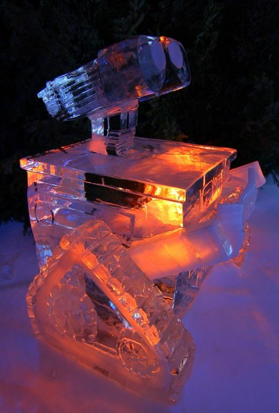 wall-e ice sculpture 1