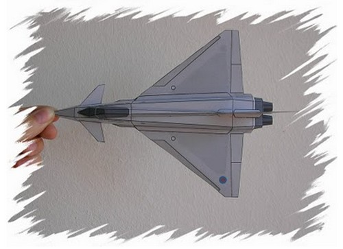 Awesome_Paper_Airplanes_3