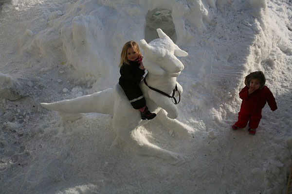Star Wars Tauntaun Snow Sculpture 2