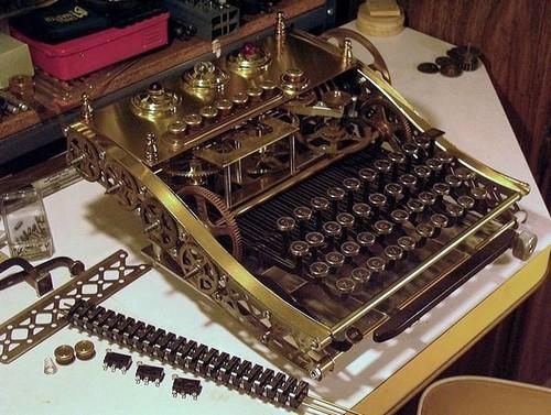 Steampunk_Keyboard_Mods_14
