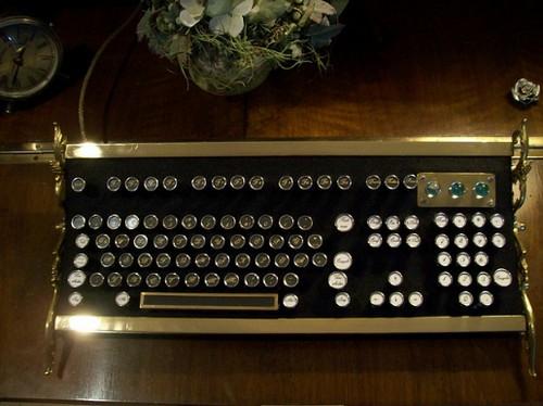 Steampunk_Keyboard_Mods_3