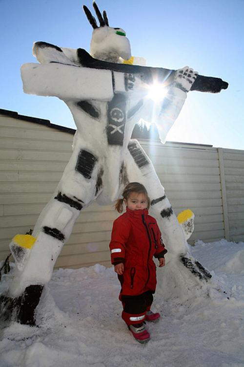 Valkyrie Snow Sculpture 3