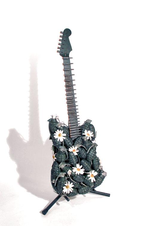 Grenade guitar