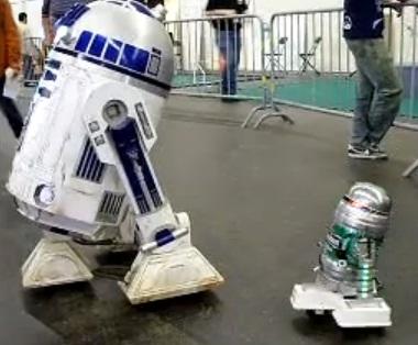 r2d2 heineken robot video