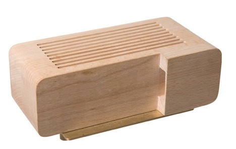 Iphone wood dock