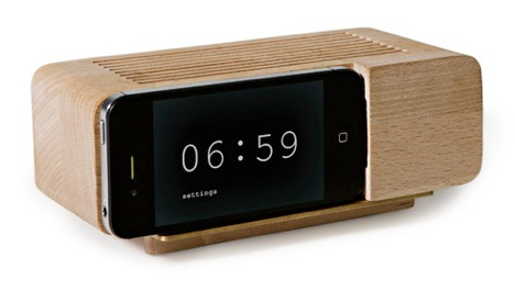 Iphone wood dock