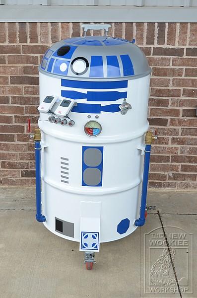 R2-D2 Smoker BBQ 1