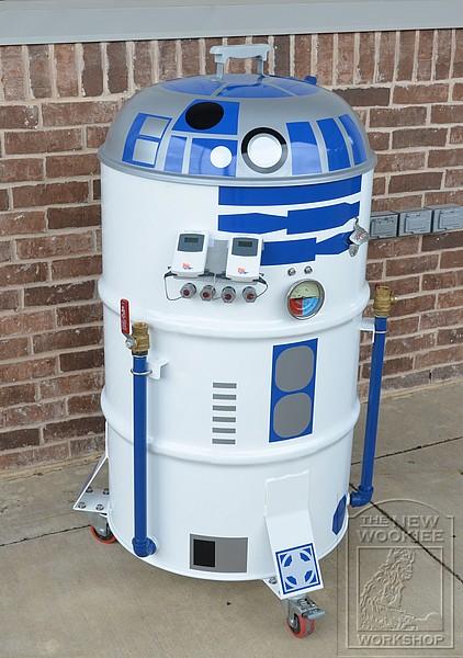 R2-D2 Smoker BBQ 3