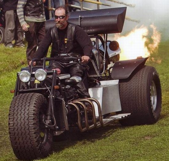 Jet-powered motortrike