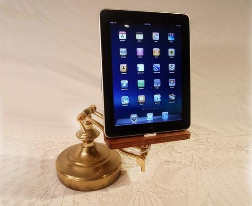 fathers day gift ideas custom ipad dock 2011