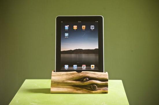 fathers day gift ideas wooden ipad dock 2011