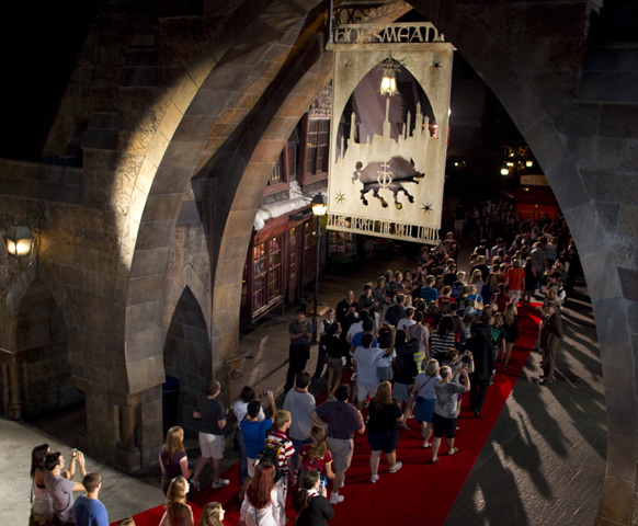 Universal Orlando Resort Surprises Guests at Midnight Screening of the  Final Harry Potter Film with Once-in-a-Lifetime Opportunity: Exclusive Access to The Wizarding World of Harry Potter