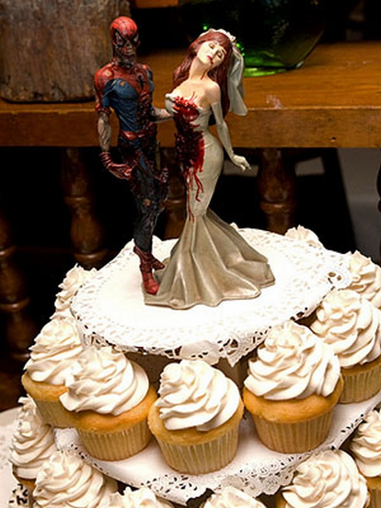 Zombie Spiderman and Mary-Jane Cake