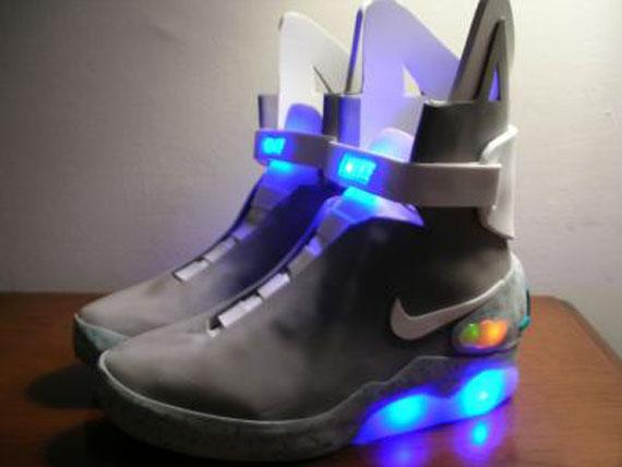 Nike-Back-To-the-Future-1