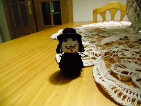 amigurumi V for Vendetta 1
