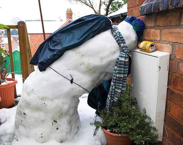Drunk snowman 1